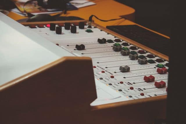 sound mixing desk,
