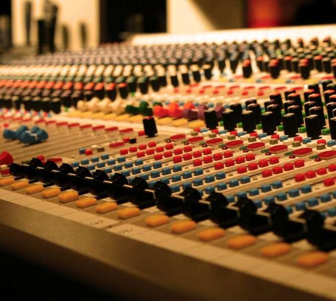 mixing studio, audio mixing desk,