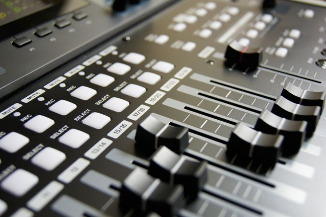 mixing-desk, audio-mixing-desk,